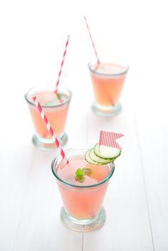 Boisson eau fraîche, concombre & fraise (+ sirop d'agave et menthe)
