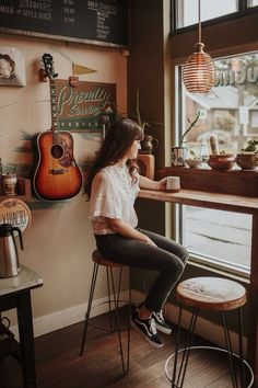 coffee shop portrait // portrait // girl // photography