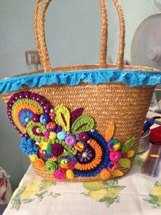 . Crochet Beach Bags, Bag Crochet, Crochet Mask, Freeform Crochet, Crochet Purses, Diy Bags Easy, Diy Tote Bag, Flower Bag, Straw Handbags
