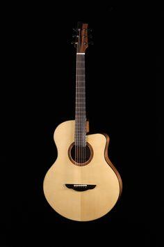 Guitare de Marie Deseigne, finissante 2016, École nationale de lutherie