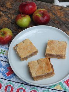 Ízőrző: Almás pite Hungarian Desserts, Hungarian Recipes, Candy Apples, Holiday Dinner, Sweet Desserts, Apple Pie, Cornbread, Crisp, Mango