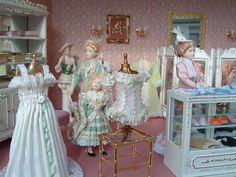 The corsetry department in the largest miniature department store in the world. - Take a peek inside this store - OMG ! Vitrine Miniature, Miniature Houses, Miniature Dolls, Dolls House Shop, Barbie Doll House, Doll Houses, Miniature Furniture, Dollhouse Furniture, Antique Dolls