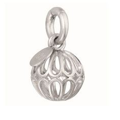We adore this brand new contemporary Sence Copenhagen Silver Plated Ornament Charm Pendant, so luxurious and very appealing! From SENCE Copenhagen's exciting new NordicNoir Autumn Winter 2014 jewellery Collection, this silver plated pendant is made from the most beautifully unique design to create an exclusive style just for you.
