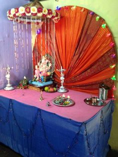 Flower Decoration For Ganpati, Ganpati Decoration Design, Festival Decorations, Balloon Decorations, Flower Decorations, Ganesh Idol, Ganesha, Ganesh Pooja, Ganesh Chaturthi Decoration