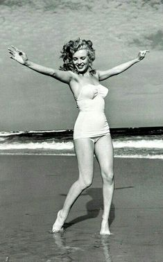 Marilyn at Tobey Beach, Long Island. Photo by Andre de Dienes, 1949.