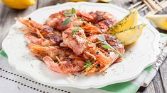 Savor the flavors and the texture of this soft shrimp wrapped in crispy bacon recipe. Baked to a crisp and well seasoned, this makes the perfect appetizer at any cocktail party. Crispy Bacon Recipe, Bacon Recipes, Seafood Recipes, Cooking Recipes, Appetizer Buffet, Appetizers, Romantic Meals, Romantic Recipes, Bacon Wrapped Shrimp