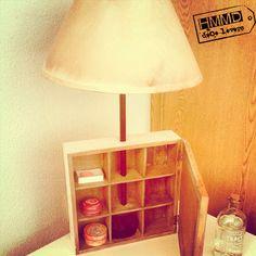 Lámpara vintage para mesita de noche con caja de té de madera, original_vieja_handmademania_HMMD vintage lamp old wood_night_bedroom_romantic