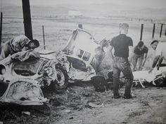 James Dean Auto-Wrack. er die meisten der Hauptlast der Auswirkungen hat, und sein Fuß wurde zwischen dem Bremspedal und das Kupplungspedal niedergeschlagen.