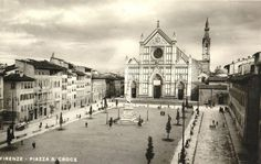 1925: Piazza Santa Croce, The Cathedral and the Monument of Dante in the middle of the square.