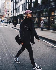 Get your closet ready for the winter? Want to get winter fashion with practicality in addition to style? Here are 38 trendy winter outfits for you that will keep you warm and look stylish. Casual Winter Outfits, Fall Outfits, Casual Fall, Winter Outfits For Teen Girls Cold, Swag Outfits, Classy Outfits, Trendy Outfits, Mode Outfits, Fashion Outfits