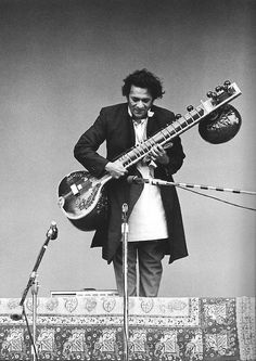 Sitar legend Ravi Shankar, performing at the Monterey Int'l Pop Festival.  An amazingly pure artist, who, even though he did a lot of collaborations through the years, always stayed true to his traditional Indian classical music roots. Died yesterday at the age of 92. RIP. He's also the dad of Norah Jones...
