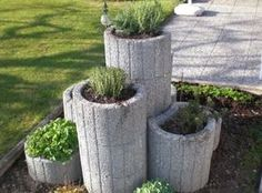 Fantastic Photo outdoor garden planters Strategies Planting containers, tubs, and 50 percent casks stuffed with blossoms add appeal for any backyard, nevertheles. Amazing Gardens, Beautiful Gardens, Container Gardening, Gardening Tips, Miscanthus Sinensis Gracillimus, Herb Garden Design, Diy Garden Projects, Garden Stones, Garden Planters