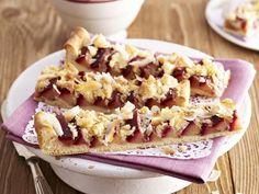 Kokos-Pflaumen-Kuchen ist ein Rezept mit frischen Zutaten aus der Kategorie Blechkuchen. Probieren Sie dieses und weitere Rezepte von EAT SMARTER!