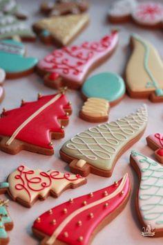 Whimsical Christmas Tree Cookies in Vintage Colors Christmas Tree Cookies, Iced Cookies, Royal Icing Cookies, Noel Christmas, Holiday Cookies, Christmas Treats, Christmas Baking, Yule, Whimsical Christmas Trees