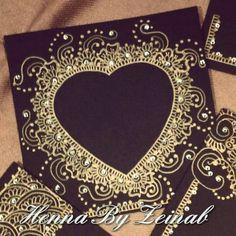 Henna Canvas, Islamic Art Canvas, Indian Party Themes, Henna Heart, Mehndi Decor, Beautiful Henna Designs, Diy Crafts For Gifts, Card Box Wedding, Shell Art
