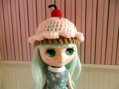 Pink Cupcake Crochet Hat for MIDDIE Blythe by manzanacongusano, $12.00