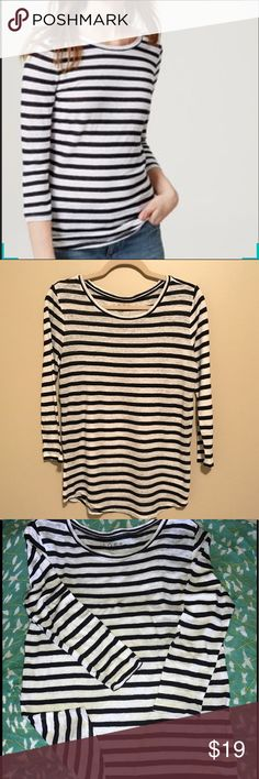 🌸LOFT STRIPED 3/4 TEE🌸 🌸Linen striped tee dark navy and white- does almost look like black And white striped. Size medium. This is another piece that I bought to wear for vacation and never did-so it was never worn EUC. Would look cute with khaki shorts or jeans! 🌸 LOFT Tops Tees - Short Sleeve