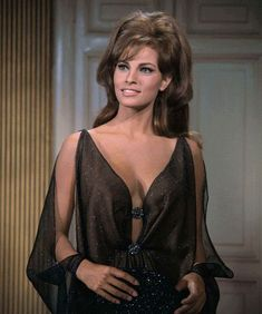 100 rifles 1969 rachel welch: 12 thousand results found on Yandex. Rachel Welch, Beautiful Celebrities, Beautiful Actresses, Gorgeous Women, Beautiful People, Vintage Hollywood, Hollywood Glamour, Raquel Welch 1960s, Glamour Hollywoodien