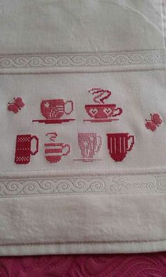 Cross Stitch Embroidery, Towel, Dish Towels, Cross Stitch House, Crocheting Patterns, Dishes, Vestidos, Small Cross Stitch, Cross Stitch Kitchen