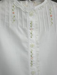 Sewing For Babies Sweet embroidery for babies daygown - Embroidery and tucks on front Hand Embroidery Dress, Embroidered Clothes, Hand Embroidery Designs, Embroidery Applique, Embroidery Stitches, Embroidery Patterns, Machine Embroidery, Embroidered Roses, Kurta Designs