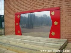 """speelplaats Nice idea - outdoor stage with mirror ("""",) Outdoor Stage, Outdoor School, Outdoor Classroom, Outdoor Fun, Outdoor Theatre, Outdoor Learning Spaces, Outdoor Play Areas, Natural Playground, Outdoor Playground"""