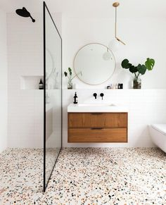 Decor of the day: modern bathroom with granite flooring - inspiration for a .- Decor of the day: modern bathroom with granilite flooring – inspiration for a modern bathroom style – Terrazzo Flooring, Bathroom Flooring, Granite Flooring, Bathroom Wall, Navy Bathroom, Bathroom Inspo, Cool Bathroom Ideas, Bath Ideas, Bathroom Styling