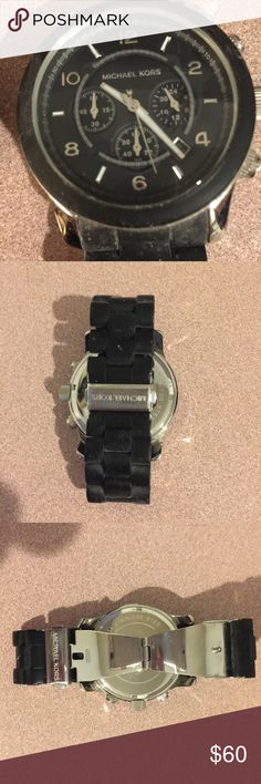 ❤️Michael Kors watch❤️ ❤️Worn only a few times !!! Needs battery !! No scratches !! ❤️ Accessories Watches