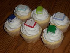 book+themed+cupcakes | Book themed cupcakes to celebrate a newly published author. TYFL!