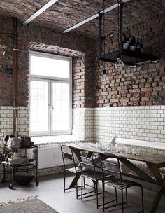 This is the stunning atelier of Swedish illustrator Sara N Bergman. Beautiful windows,original brick walls and metro tiles make this place a cool, inspiring work space!