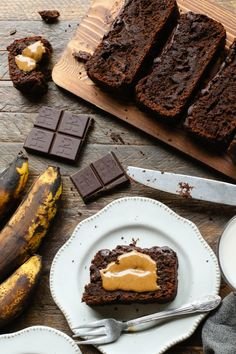 35 minutes · Vegetarian Gluten free · Makes slices · Vegan and gluten-free double chocolate banana bread with almond flour, oats, ripe bananas, tahini, and dark chocolate chunks. Perfect for weekend baking! Sweet Recipes, Cake Recipes, Dessert Recipes, Pastry Recipes, Vegan Baking Recipes, Empanadas, Banana Brownies, Chocolate Banana Bread, Baking Flour
