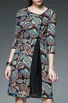 Irregular Half Sleeve Embroidery Vintage Dresses Source by fashion Batik Blazer, Blouse Batik, Batik Dress, Batik Fashion, Fashion Sewing, Simple Dresses, Pretty Dresses, Vintage Midi Dresses, African Dress