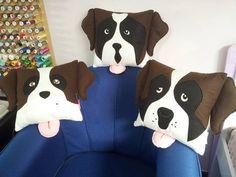 Especificações:   - Tamanho: 30 x 30 cm  - Feita em feltro - Muito bem detalhada    (FAZEMOS OUTROS ANIMAIS POR ENCOMENDA. ENVIE-NOS A FOTO DO SEU BICHINHO DE ESTIMAÇÃO!)    Preço: R$ 38,00 (CADA) + FRETE  Entre em contato conosco: R$ 40,25 Dog Crafts, Easy Diy Crafts, Felt Crafts, Sewing Crafts, Sewing Projects, Cute Pillows, Kids Pillows, Animal Cushions, Diy Dog Costumes