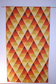 Fire and Flame, a hexagon quilt made by Angelika Sölch's husband  -- and I just LOVE this one!