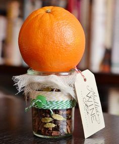 Mulled Wine Kit in a Jar | 60 Cute and Easy DIY Gifts in a Jar | Christmas Gift Ideas