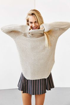 Silence + Noise Harley Shirttail Turtleneck Sweater - Urban Outfitters