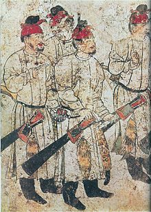 Images of men in a mural of from a mural in Li Xian's (exiled son of Wu Zetian) tomb at Qianling Mausoleum, dated 706 AD. Fresco, Tempera, Wu Zetian, Dunhuang, Asian History, China Art, Ancient China, Mural Painting, Chinese Culture