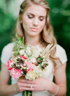 Bridal bouquet | Michael and Carina Photography | http://burnettsboards.com/2013/11/smores-cider-campfire-elopement-shoot/