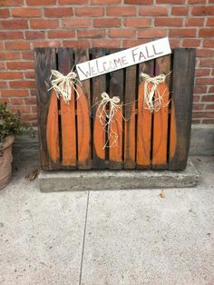 Pallet fall sign