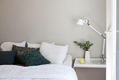 MAALATTU MAKUUHUONE+KILPAILU! | Anne Melender Bed, Furniture, Home Decor, Anna, Stream Bed, Interior Design, Home Interior Design, Beds, Arredamento
