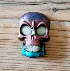 Tête de mort en résine Carnival, Creations, Face, Painting, Skull, Carnavals, Painting Art, Carnivals, Paintings
