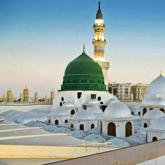 Where angels whisper. Allah hum'ma Sal e aalaa seyedina habibina Muhammad,,. Al Masjid An Nabawi, Masjid Al Haram, Islamic Images, Islamic Pictures, Islamic Quotes, Beautiful Mosques, Beautiful Buildings, Hadith, Alhamdulillah