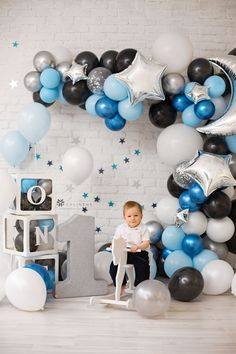 Step up your kid's birthday parties photo booth game with this fun balloon garland arch. Use it as a fun photo booth backdrop for photos or have a fun 1st birthday photo shoot before the party as birthday party decorations! We're sharing with you all the cutest ideas for an adorable first birthday boy using our high quality balloons and balloon boxes! #balloondecorations #balloongarland #balloonbackdrop #1stbirthdayboy #1stbirthdayboytheme #1stbirthdayphotoshoot 1st Birthday Boy Themes, 1st Birthday Photoshoot, Birthday Party Treats, 1st Birthday Party Decorations, Balloon Decorations Party, Boy Birthday Parties, Balloon Box, Balloon Ideas, Balloon Garland