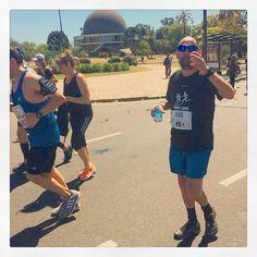 Me engancharon caminando...#firstmarathon #maratonista #marathon #instarunners #42kbsas #42k