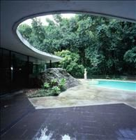 Oscar Niemeyer's CASA DAS CANOAS