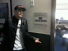justin biebers backstage room mau5