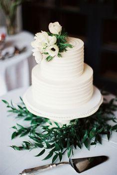 Photography: Becca Lea - beccalea.com Read More: http://www.stylemepretty.com/2015/05/29/elegant-dallas-arboretum-botanical-garden-wedding/ #WeddingCakes