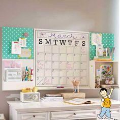 Despacho para profesores. Aprovechar las paredes del despacho. Calendario pared. Utilizar las paredes como espacio de almacenaje y organización