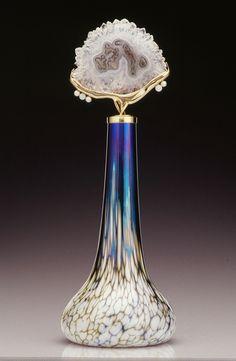 http://agitare-kurzartikel.blogspot.com/2012/08/christian-von-haacke-um-erfolgreich-zu.html  Blown glass perfume bottle - Elaine Hyde