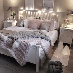 Creative and Small Bedroom Design and Decoration Ideas Part bedroom ideas; bedroom ideas for small rooms; bedroom design for couples; Cute Bedroom Decor, Room Design Bedroom, Cute Bedroom Ideas, Stylish Bedroom, Room Ideas Bedroom, Small Room Bedroom, Master Bedroom, Bedroom Inspo, Dream Bedroom
