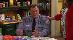 Mike and Molly - Episode 3.21 - Molly's Out of Town - Promo
